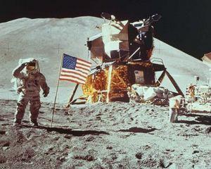 A-t-on vraiment marché sur la lune ? - Page 10 300px-Moon_landing